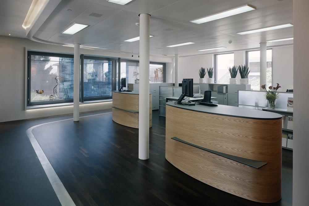 Gewerbebau Umbau Raiffeisenbank Hünenberg hwp Architekten
